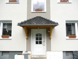 Vordach WoodSmart Odenwald Typ1 34° mit Rinne aus Titanzink